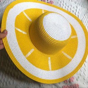 Sun hat lemon slice
